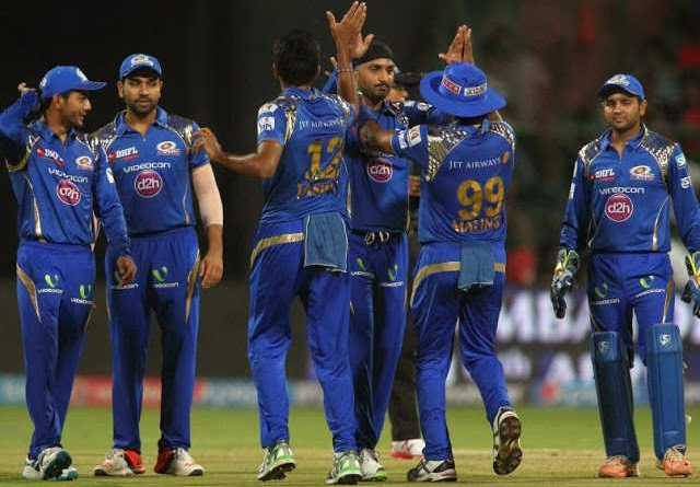 मुबंई इंडियंस ने आरसीबी को 6 विकेट से दी मात