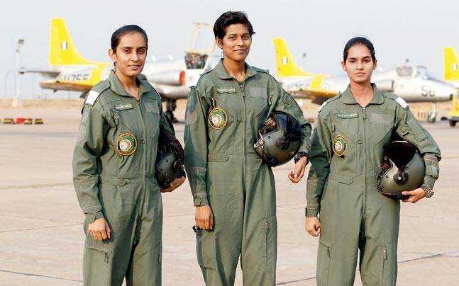 देश की पहली फाइटर पायलट बनेंगी भारत की यह तीन बेटियां
