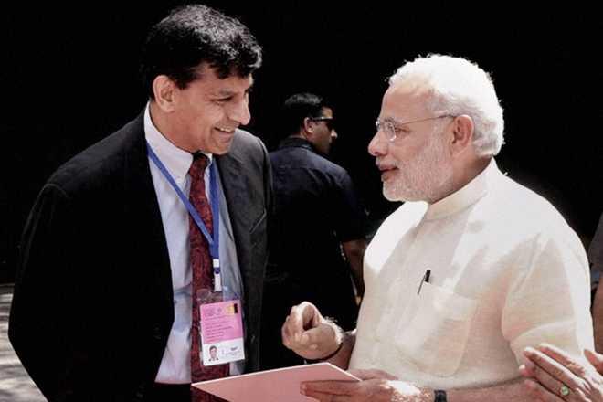 रघुराम राजन पर मोदी ने दिया बड़ा बयान, कहा राजन की देशभक्ति किसी से कम नही...