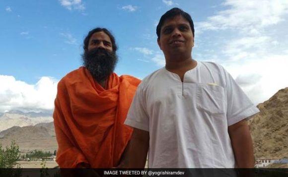 बाबा रामदेव के सहायक '100 सबसे रईस भारतीयों' की सूची में शामिल