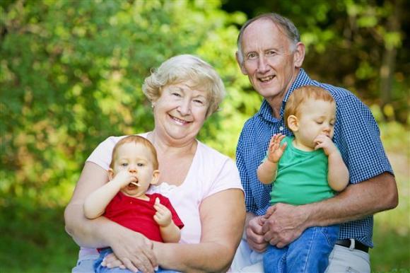 जानिए बच्चो के लिए क्यों ख़ास होते है दादा-दादी