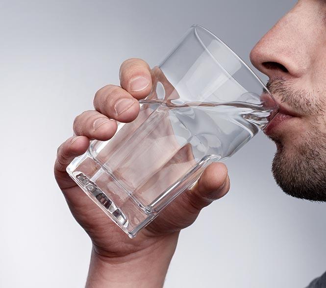 शरीर में पानी की कमी होने क्या होती है जानिए......