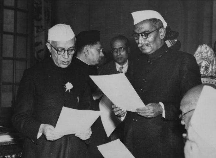 जब नेहरू के विरोध के बावजूद संविधान सभा ने राजेंद्र प्रसाद को राष्ट्रपति चुना लिया