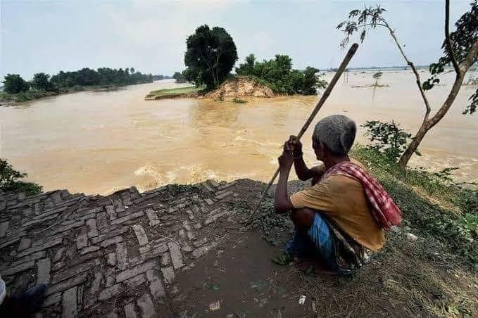 बाढ़ और बेबसी
