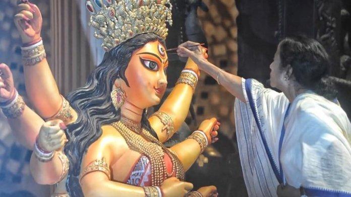 ममता बनर्जी, दुर्गा पूजा