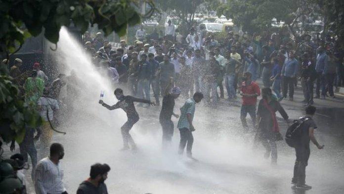 जेएनयू में विरोध प्रदर्शन
