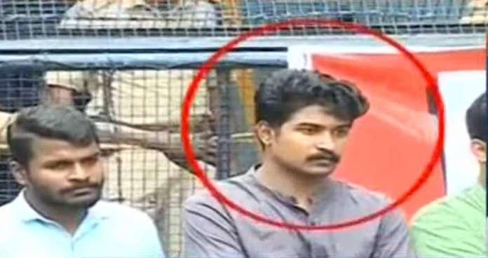 रियास को गिरफ्तार न कर तिरुवनंतपुरम की पुलिस क्या साबित हुई- मूर्ख, या डरपोक?