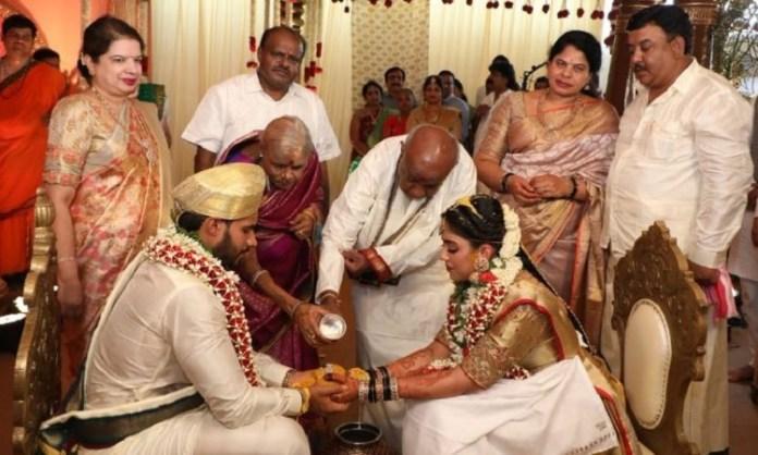 कुमास्वामी के बेटे की शादी, निखिल कुमारस्वामी और रेवती