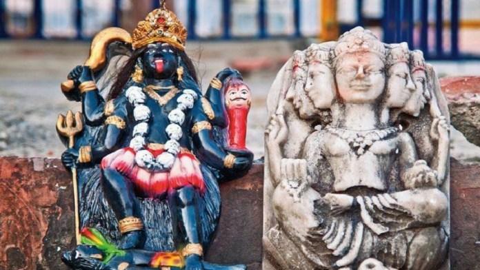 आगरा, मंदिर प्रतिमाओं, खंडित