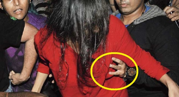 लड़की स्तन बॉम्बे HC जज