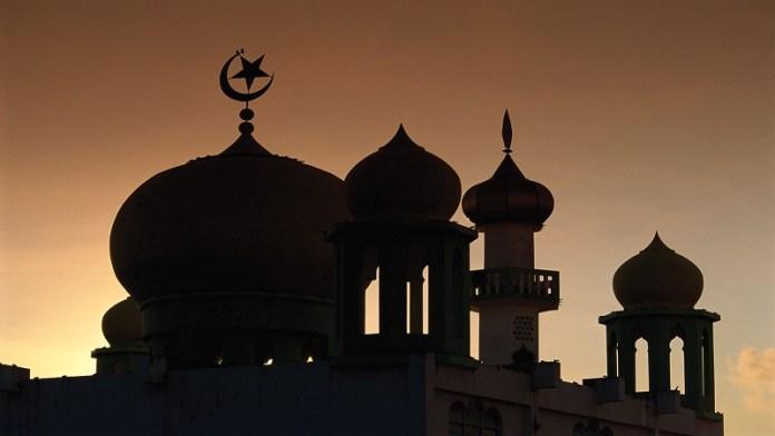 मस्जिद अजान जलीस इमाम