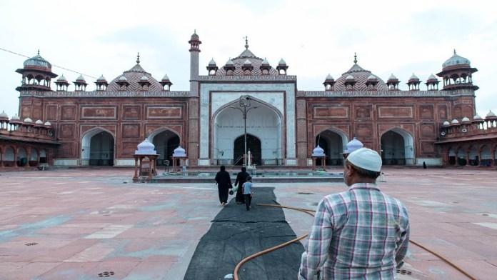 आगरा का जामा मस्जिद