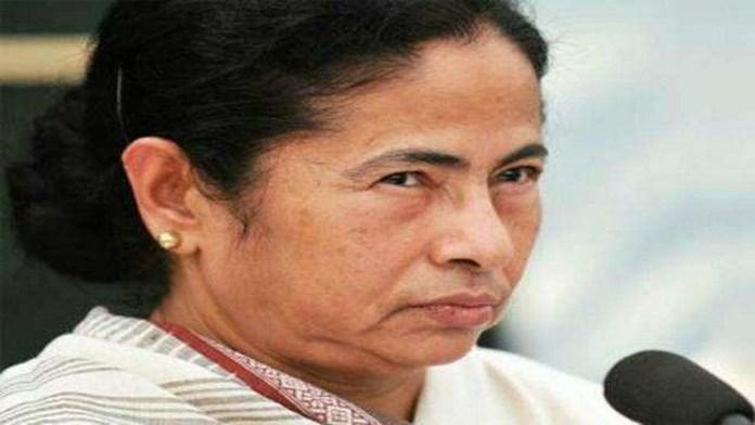 ममता बनर्जी चुनाव आयोग के खिलाफ जाएंगी सुप्रीम कोर्ट
