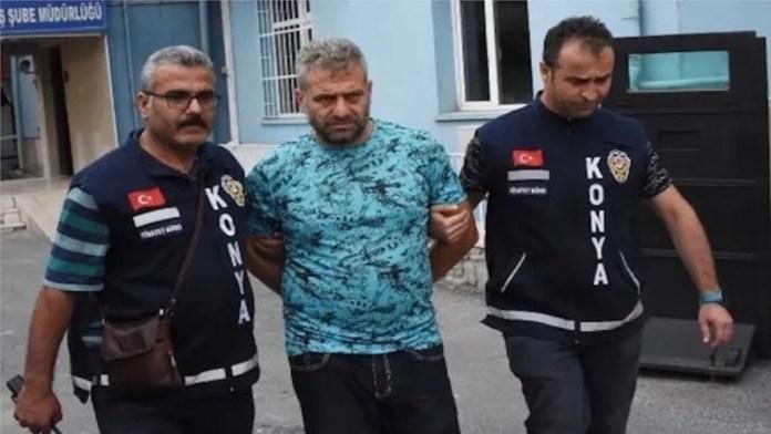तुर्की बीवी चाकू सजा