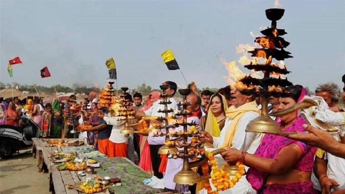 हिन्दू धर्म, भारत, Pew
