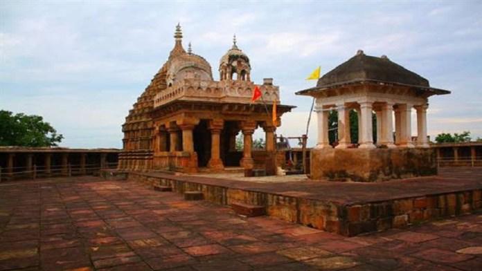 जबलपुर, चौसठ योगिनी मंदिर