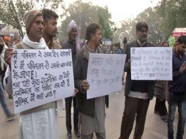 केजरीवाल पाकिस्तानी हिंदू शरणार्थी