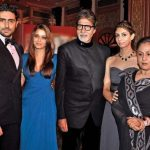 अमिताभ बच्चन अपने परिवार के साथ