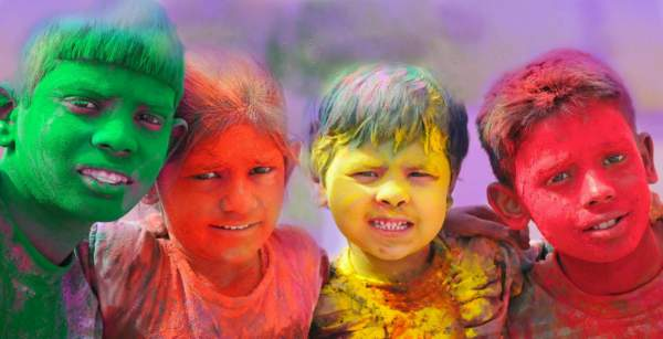 holi image with message