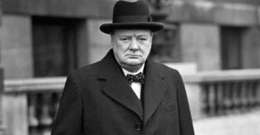 Winston Churchill Quotes in Hindi