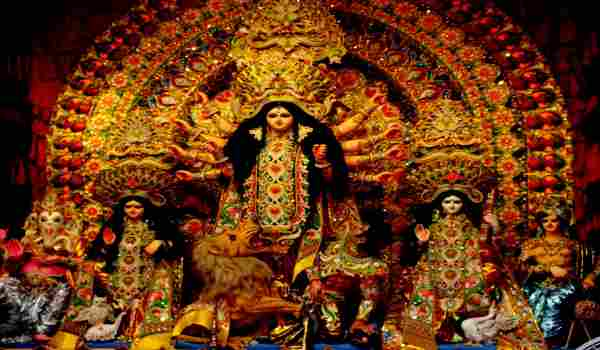 दुर्गा पूजा पर निबंध 2018 – Durga Puja Essay in Hindi for Class 1-12 Pdf Download