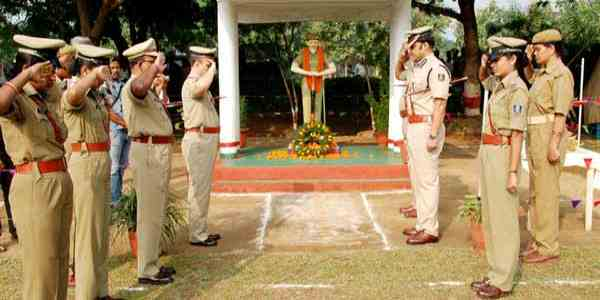 Police Shahid Diwas Quotes in Hindi – Police Commemoration Day Slogans & Quotes