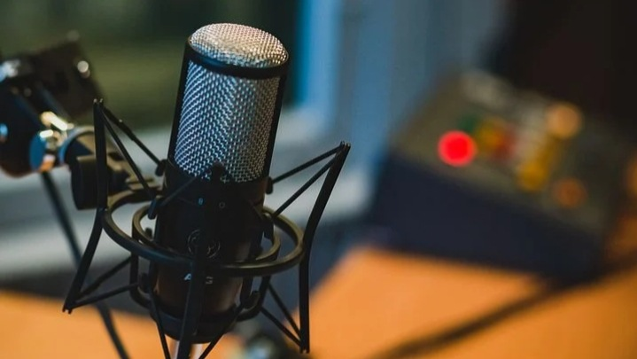 Read more about the article Podcast क्या होता है,Podcast का मतलब,Podcast कैसे किया जाता है(Podcast meaning in hindi)