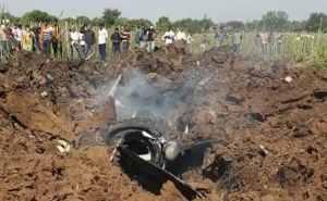 Read more about the article लड़ाकू विमान मिराज का क्रैश विडियो वायरल, देखिए कैसे सीट इजेक्ट कर पायलट ने बचाई जान