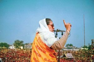 Read more about the article राजमाता सिंधिया:जेंडर की एक केस स्टडी भी…