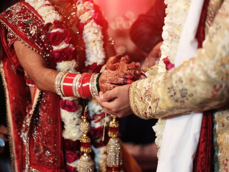 कोरोनावायरस के बीच हुई थी शादी, सुहागरात के बाद दुल्हे का हुआ निधन, दहशत में लोग