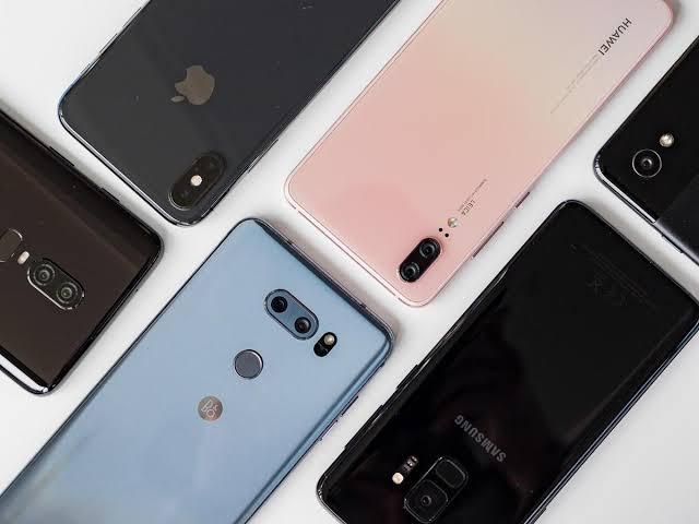 फ्लिपकार्ट की सेल में स्मार्टफोन पर मिल रहा जबरदस्त डिस्काउंट, जानिए कितनी मिल रही है छूट