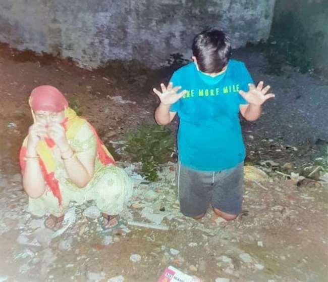 विकास दुबे की पत्नी और बेटे को भी पुलिस ने किया गिरफ्तार, घर के पीछे ही छिपी थी शातिर अपराधी रिचा