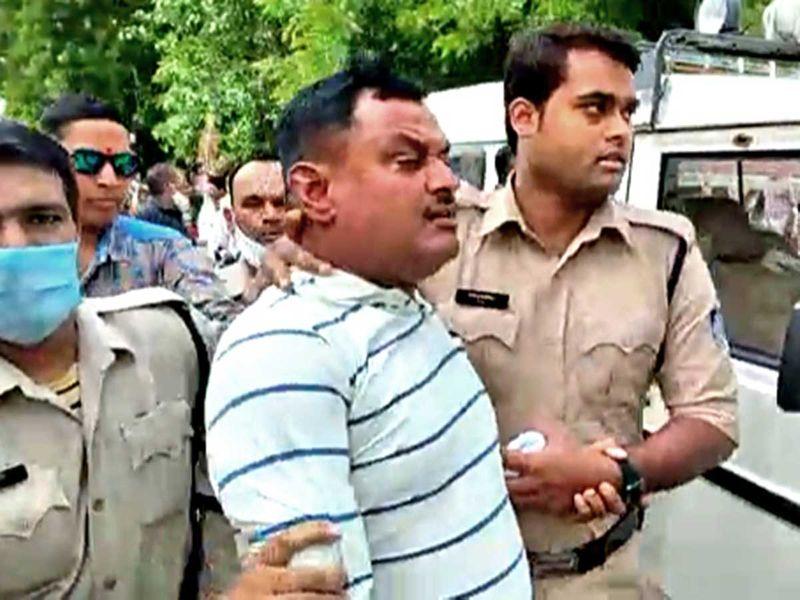 विकास दुबे ने उज्जैन से कानपुर आते समय बताया क्यों की देवेन्द्र मिश्रा की बेरहमी से हत्या, 22 साल पुरानी थी दुश्मनी