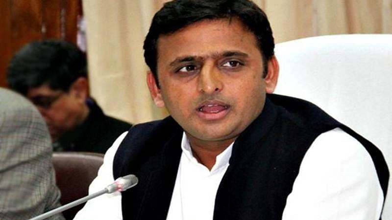 अखिलेश यादव के संसदीय क्षेत्र के सपा नेता ने खून से लिखी चिट्ठी, योगी सरकार ने तुरंत की मदद