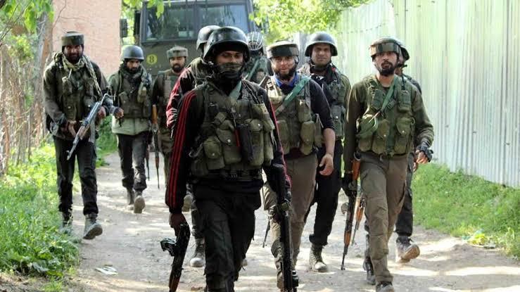 6 साल के मासूम बच्चे और Crpf जवान को मारने वाले आतंकी को जम्मू-कश्मीर पुलिस ने मार गिराया