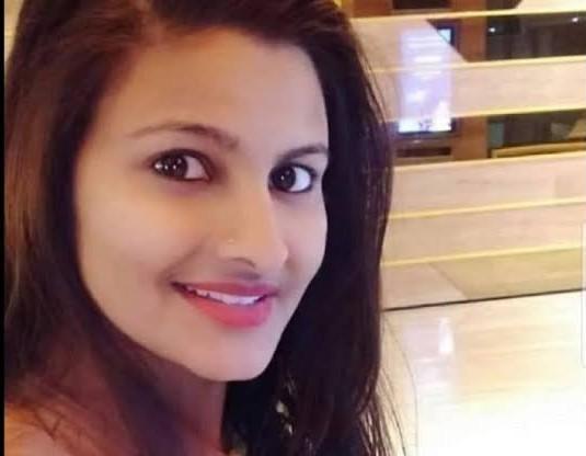 गुजरात की महिला पुलिसकर्मी को सत्ता की हनक से टकराने पर पड़ी डांट तो सरकार पर भड़क गए कुमार विश्वास