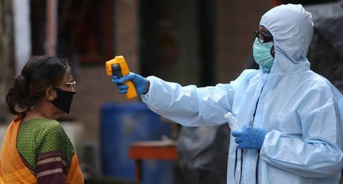 देश में बढ़ रहा कोरोनावायरस का ग्राफ, 24 घंटे में आए 25 हजार से ज्यादा मामले, यूपी में घोषित लॉकडाउन