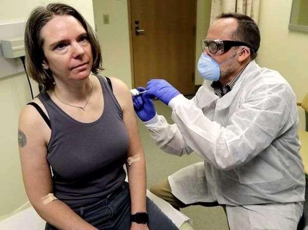 कोरोना वायरस वैक्सीन लगवाने वाली बनी ये पहली महिला, साझा किये अपने अनुभव