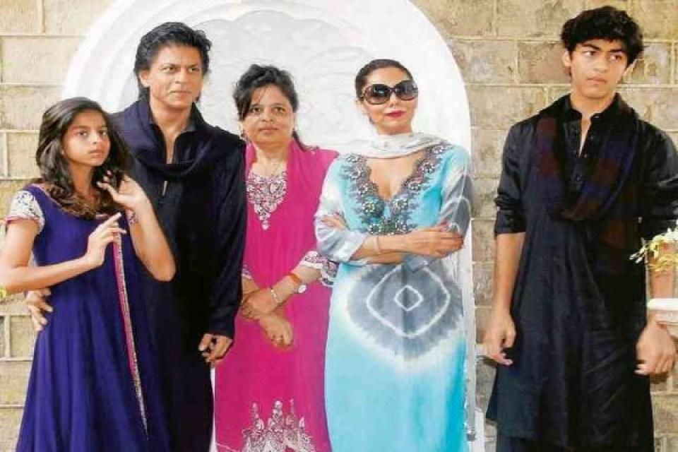 इन बॉलीवुड की 8 भाभियों का ननद के साथ सग्गी बहन जैसा रिश्ता है! देखें