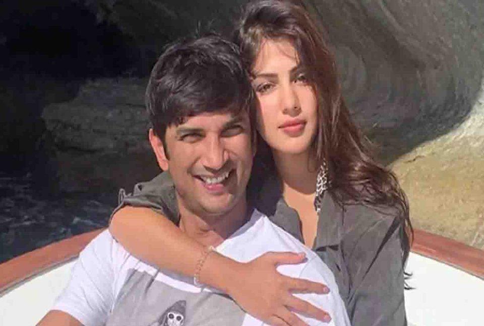रिया ने लगाया था सुशांत के परिवार पर एक्टर के साथ अनबन का आरोप, अब फैमली ने दिया करारा जवाब