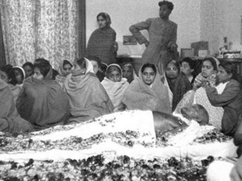 महात्मा गांधी की मृत्यु पर कैसा था पाकिस्तान का माहौल, इस शख्स ने शेयर की पेपर कटिंग