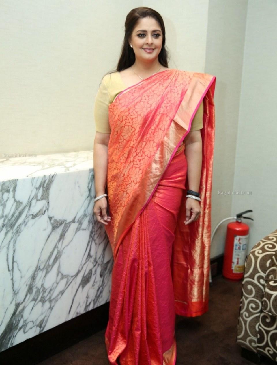 इस बॉलीवुड अभिनेत्री के लिए अपनी पत्नी तक को तालाक देने को तैयार थे सौरव गांगुली