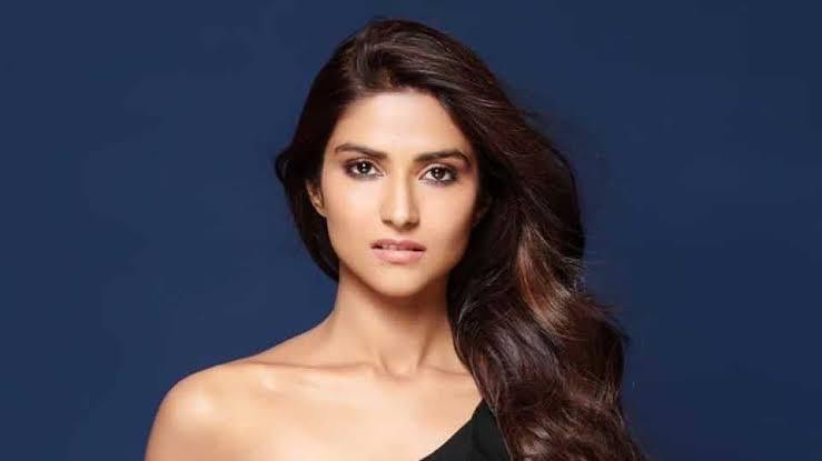 मोहनीश बहल की बेटी है बेहद खूबसूरत, जल्द कर सकती है बॉलीवुड डेब्यू, देखें तस्वीरें