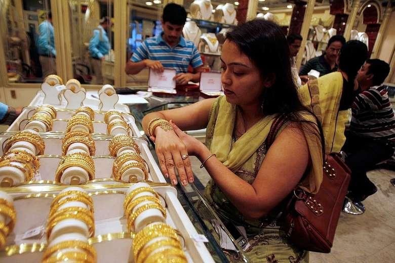 Gold Price : भारी गिरावट के बाद आज फिर महंगा हुआ सोना, आज सस्ता गोल्ड खरीदने का अंतिम मौका
