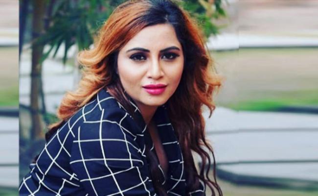 'Pok' का फुलफॉर्म नहीं बता पाईं टीवी एक्ट्रेस अर्शी खान, हुई ट्रोल