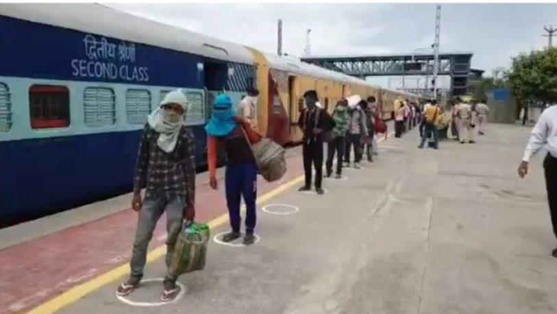 वेटिंग टिकट की समस्या हुई खत्म, रेलवे अगले महीने से शुरू कर रही 100 नई ट्रेन