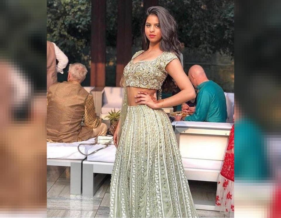 शाहरुख खान की बेटी सुहाना ने शेयर की ब्लैक स्लिप ड्रेस, तस्वीरें हो रहीं वायरल