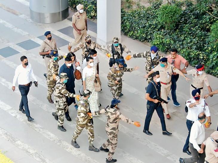 Y सिक्योरिटी पर कंगना ने बोला झूठ, कहा-चंडीगढ़ में उतरते ही मेरी सुरक्षा नाममात्र की रह गई