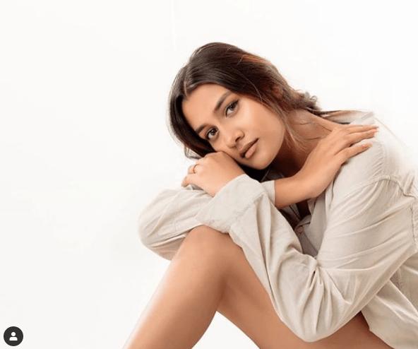 अंकिता लोखंडे ने Insta पर शेयर किया बहन अशिता का हॉट फोटो, कही ये बात…