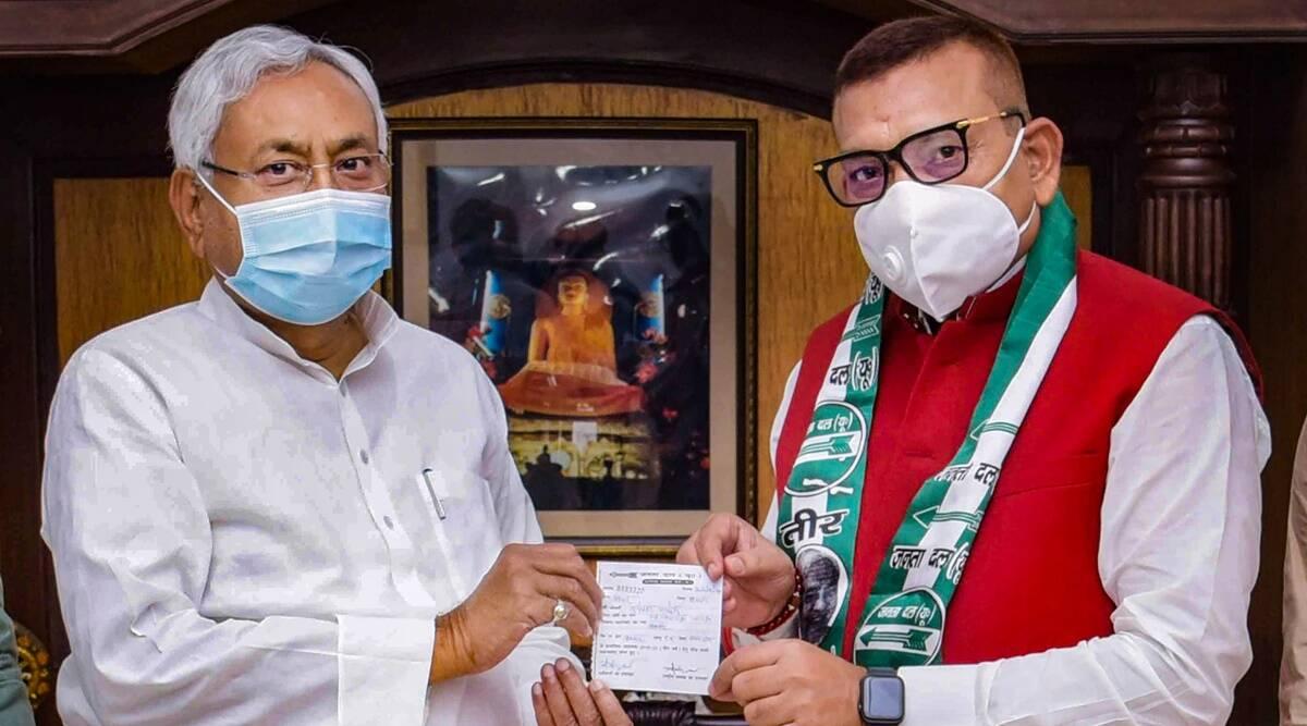 बिहार पूर्व डीजीपी रहे गुप्तेश्वर पाण्डेय का पत्ता साफ़, नही मिला टिकट